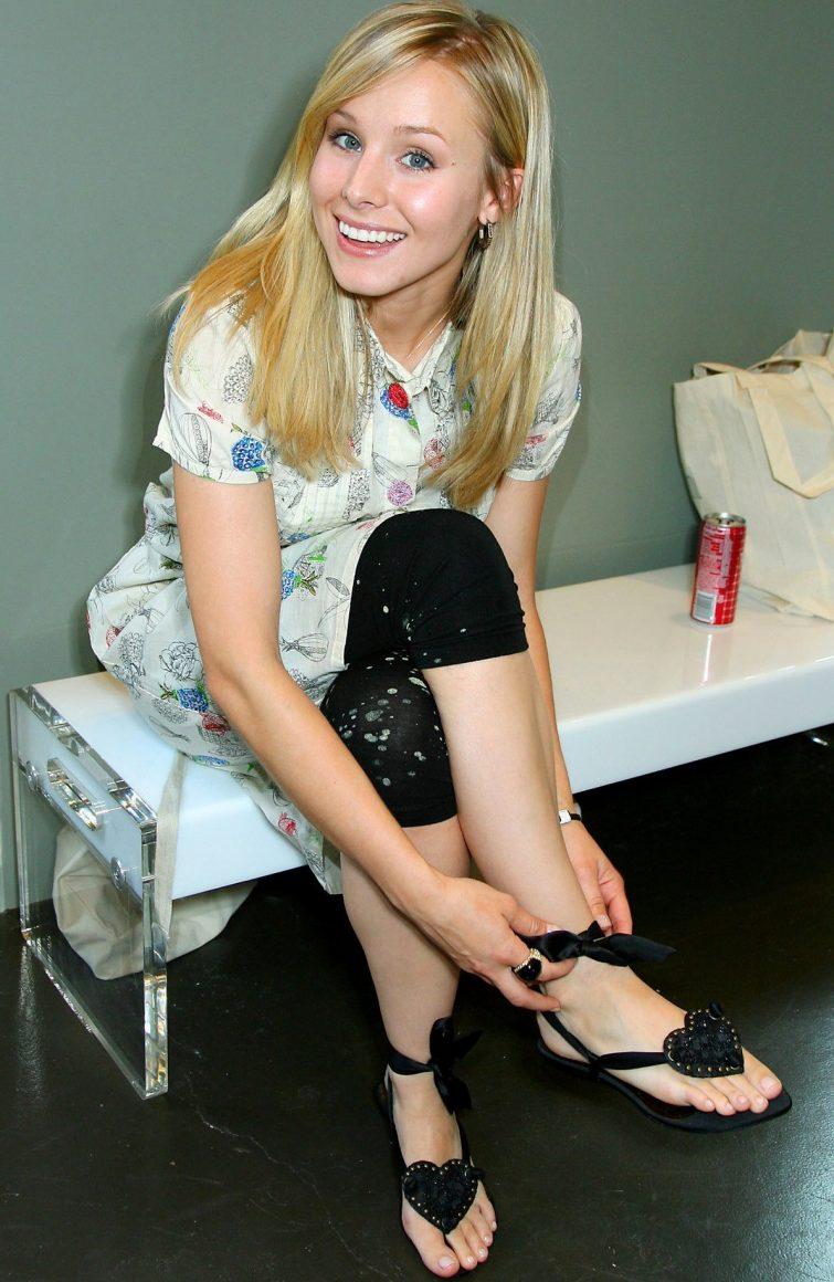 Kristen bell feet